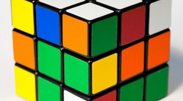 Rubik là trò chơi trí tuệ được rất nhiều người yêu thích