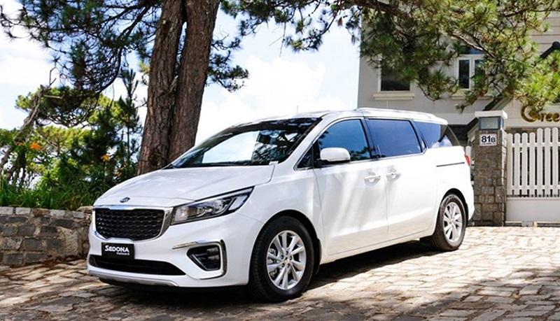 Dịch vụ cho thuê xe Kia Sedona 7 chỗ cao cấp tại Ezbook
