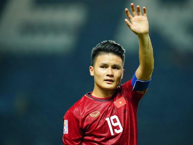 Nguyễn Quang Hải bắt đầu sống xa nhà và tham gia lò đào tạo cầu thủ trẻ Hà Nội T&T từ năm 2006 khi mới 9 tuổi