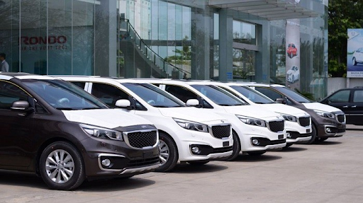 Dịch vụ cho thuê xe Kia Sedona uy tín, chất lượng tại Ezbook