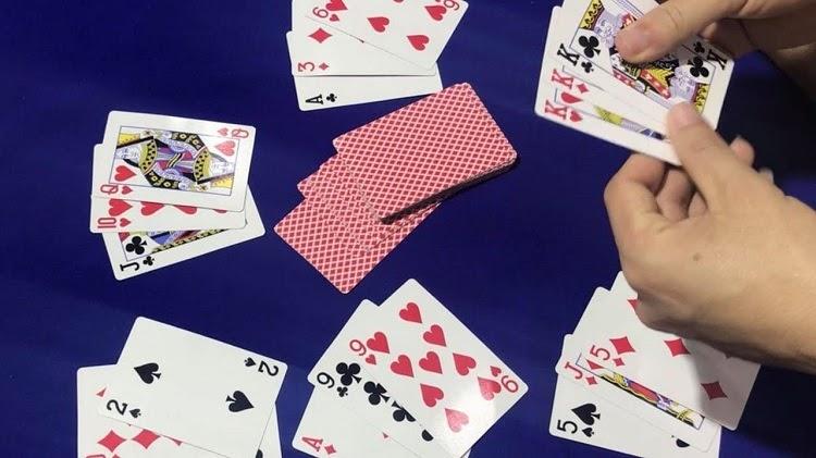 Tiền mất tật mang khi nghiện cờ bạc